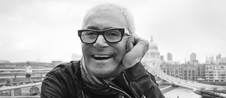Black and white portrait of Vidal Sassoon